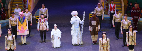 Turkmen circus performers present New Year show for spectators of all ages